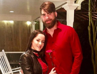 Jenelle Evans And David Eason Anger 'Teen Mom' Fans By Showing Lots Of PDA Following Assault Allegations