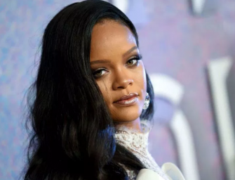 Rihanna Reportedly Declined NFL's Offer To Headline Super Bowl Halftime Show In Support Of Colin Kaepernick