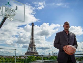 Michael Jordan Is A Rich Man, Parties On $80 Million Yacht With A Basketball Court! (PHOTOS)
