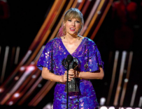 Taylor Swift Gets Last Laugh In Battle Against The Haters As She Accepts 2019 iHeartRadio Music Award