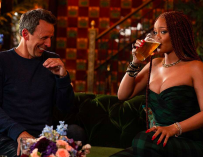 Rihanna Went Day Drinking With Seth Meyers And It Was Actually Pretty Hilarious (VIDEO)