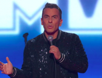 Sebastian Maniscalco Opens The VMAs And The Audience Was NOT Feeling Him (VIDEO)