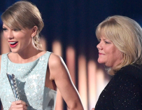 Taylor Swift Reveals Her Mom Has Been Diagnosed With A Brain Tumor