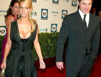 "In New Book, Jessica Simpson Admits To ""Emotionally Cheating"" On Nick Lachey With Johnny Knoxville"
