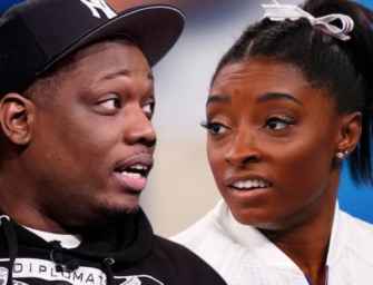 """Michael Che Is Getting Slammed After Sharing """"Cruel"""" Jokes About Simone Biles"""