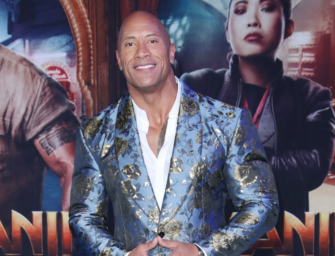"""After Jake Gyllenhaal Adds To The """"Celebs Don't Shower"""" Debate, Dwayne Johnson Steps In To Say """"NOT ME!"""""""